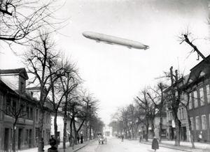Ernst Eichgrün: Zeppelin über Potsdam © Potsdam Museum - Forum für Kunst und Geschichte